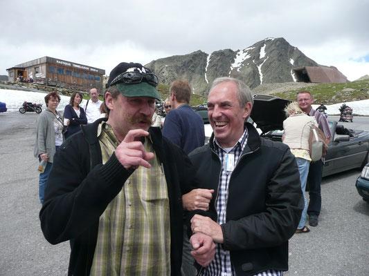 (Dolomiten - 2011) ...knüpfen Freundschaften...