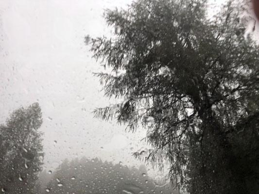Platzregen am Passo Sella (Sellajoch)