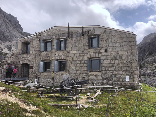 Festungswerk Tre Sassi - Valparolasattel