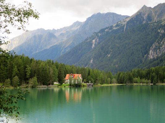 Das idyllische Hotel Seehaus am Antholzersee...