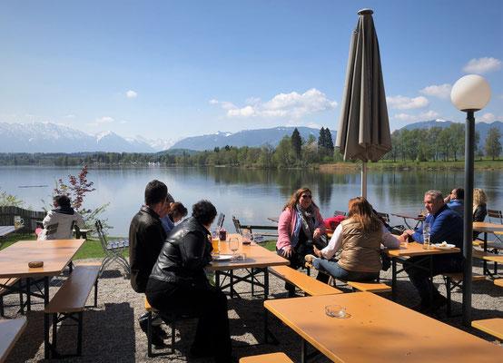 ...kleine Stärkung im Seerestaurant Alpenblick...