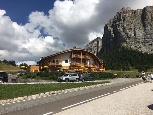 Blick auf die Gipfel der Dolomiten im Hotel Chalet Gerard...