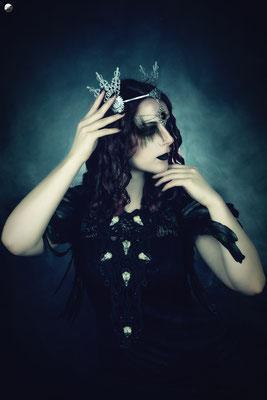 Foto: Strega Art, Model: unbekannt, Gothic Collier mit Vogelschädeln, Voodoo Priestress