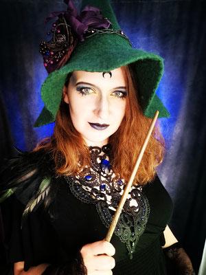 Gothic Witch aus Hogwarts, Model: Scarajam, Foto/Edit: Ishisu_y, Claudia die Designerin von Bloody Brilliants