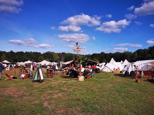 Mittelalter Phantasie Spectaculum Heerlager und Piratenbar