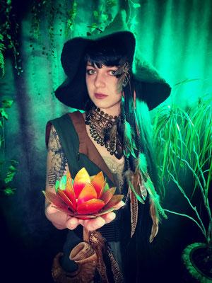 Mittelalter Entdecker Elfe, Model: Maarianiedziela, Foto/Edit: Ishisu_y, Claudia die Designerin von Bloody Brilliants