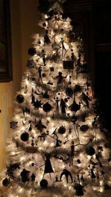 Schwarz Weißer Gothic Weihnachtsbaum
