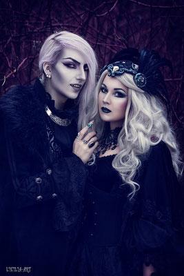 Models: Valentin Winter, MADmoiselle Meli, Gothic Tropfencollier grün, Vampire