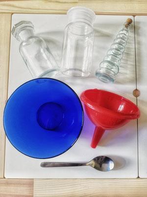 Lavendel Badesalz  Ihr braucht: - eine Schüssel, einen Trichter und ein Glas zur Aufbewahrung