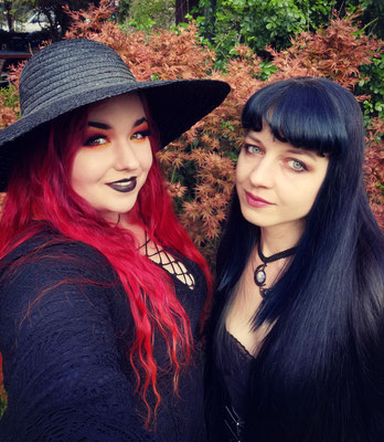 Gothic Witches Claudia und Maaria aus dem Bloody Brilliants Team