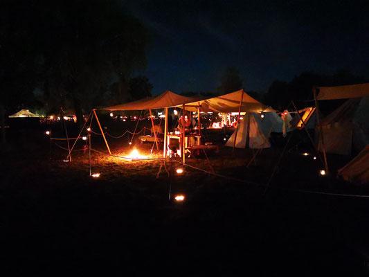 MPS Heerlager bei Nacht