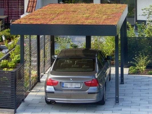 Beispiel-Nr. ST-G    Gründach-Bausatz als Extra aus dem umfangreichen Carport-Zubehörprogramm bei diesem Stahlcarport