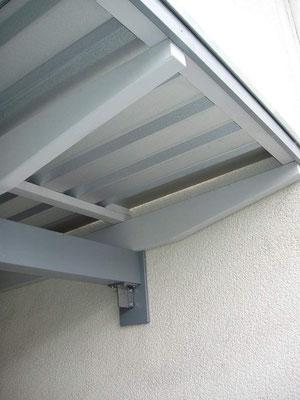 Beispiel-Nr. WA-9.2   Detailausführung KÖLN-Wandcarport hier mit eingelassenen Dachträgern in das Mauerwerk als Auflager.
