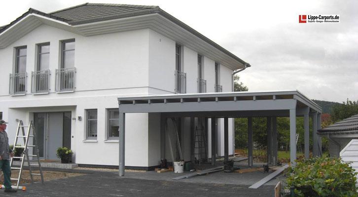 Beispiel-Nr. MGR-1  Freitragendes Doppelcarport MÜNCHEN-GR an einem Jette Joop Haus in Lippe.
