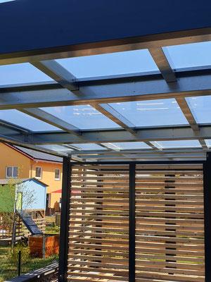 Beispiel-Nr. ST-A10   Detail-Foto der transparenten Dacheindeckung mit Plexiglas