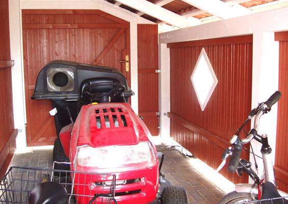 Beispiel-Nr. MST-20.5    Diese Abstellkammer bietet auch Platz für einen großen Aufsitz-Rasenmäher.