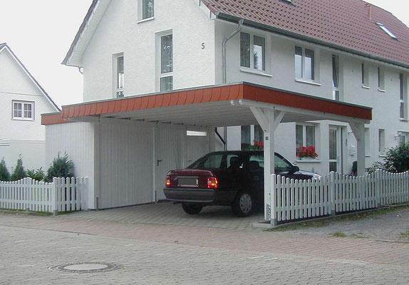 Beispiel-Nr. MGR-26    Doppelcarport INDIVIDUAL MÜNCHEN-GR mit linksseitig angebauter Gerätekammer im Raum Minden