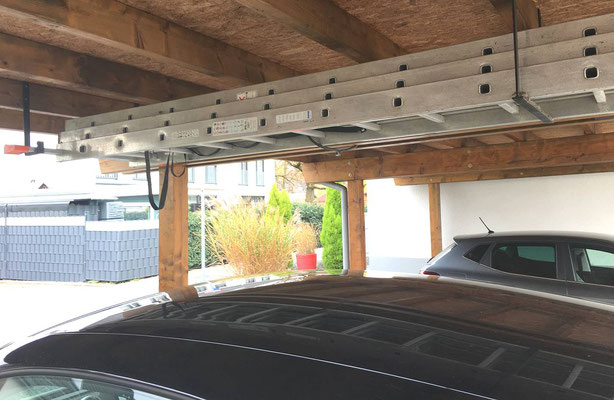 Beispiel-Nr. SORC48.3   Stabile Dachkonstruktion in zimmermannsmäßiger Ausführung zeichnen die LIPPE-Carports aus.