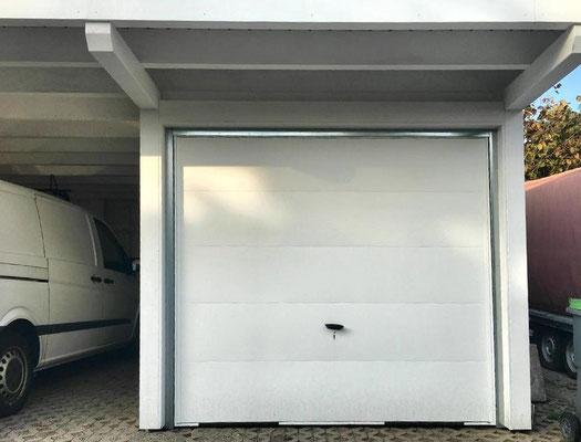 Beispiel-Nr. SORC61.2    Garagen-Box mit hochwertigem Schwingtor im Breit-Lamellen-Design