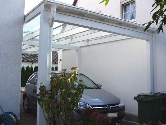 Beispiel-Nr. GD 37.2    Dachabschluß mit Entwässerungsrinne und Fallrohr bis zum Boden geführt gehört zum Lieferumfang.