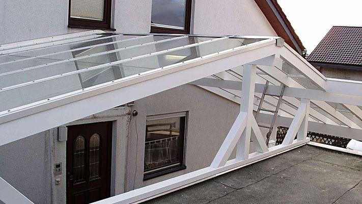 Beispiel Nr. GD3.4   Dacheindeckung mit 8mm starkem VSG Verbundsicherheitsglas.