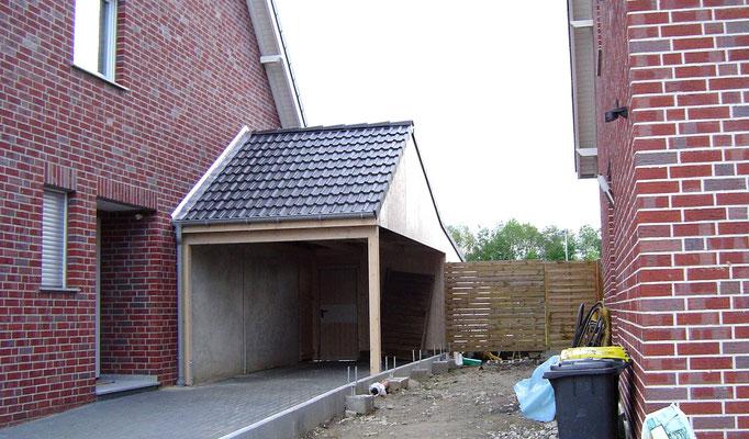 Beispiel-Nr. MST-4.3   Die fertige Montage ist erfolgt. Einfahrt hier unter der Traufe. So wurde es vom Architekten beim Hausentwurf geplant.