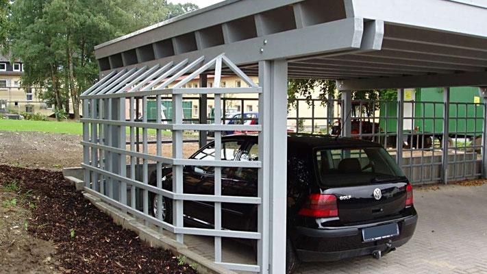 Beispiel Nr. SORC18.3    Rank-Galerien sehen nicht nur hübsch aus sondern schaffen zusätzlichen Platz zum Öffnen der PKW-Türen.