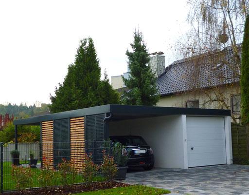Beispiel-Nr. ST-A7  Carport Anbau an eine Betongarage mit verschiedenen Sichtschutzwänden. Attika auch an der Garage als Extra.
