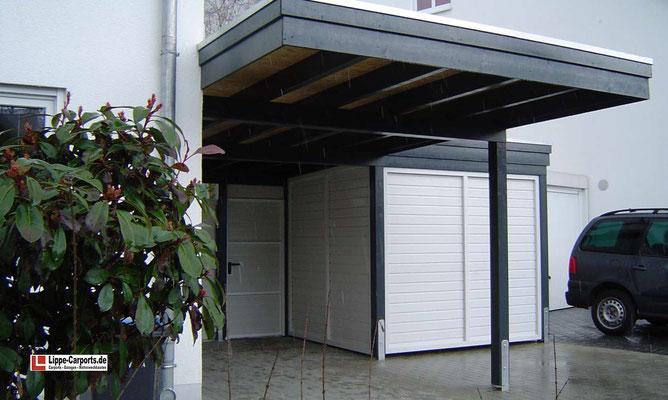 Beispiel-Nr. WA-17.2   KÖLN-Wandcarport in L-Form mit seitlich angebauter Gerätekammer. Bi-Color-Farbgebung.