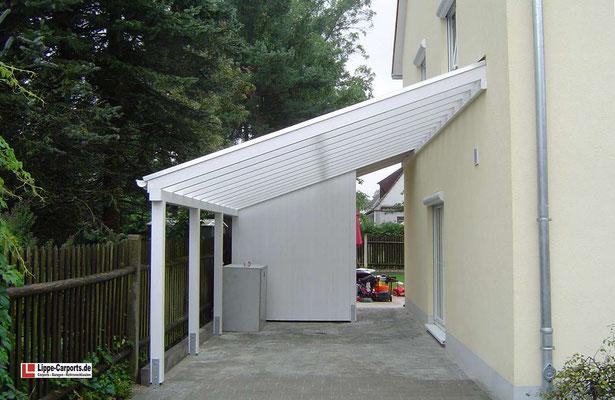 Beispiel-Nr. WA-19    Wandcarort KÖLN mit Echtverglasung im Dach. Im hinteren Teil ein kleiner Abstellraum.