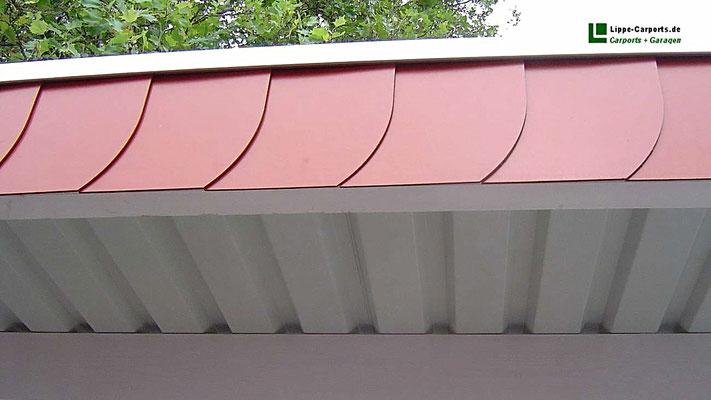 Beispiel Nr. SORC12   Detail Dach Ausführung mit Stahltrapezplatten mit Antitropfbeschichtung. Hier wurde der Dachrand mit Schieferstrukturplatten 30/30 als Extra ausgeführt.