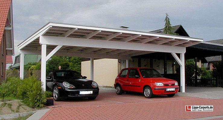Beispiel-Nr. LDS-19    Schrägdachcarport für 3 PKW. Dacheindeckung hier mit Stahltrapezplatten. Weißgrundierung als Extra.