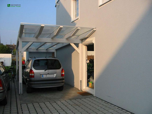 Beispiel-Nr. GD35   Verona Exclusiv Glasdach-Carport mit Weißgrundierung als Extra, kleine Gerätekammer angebaut