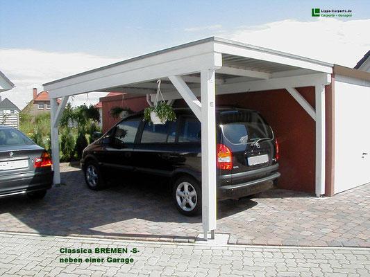Beispiel-Nr. BR-7   Bremen-Carport in 4-Pfosten-Ausführung neben einer Garage.