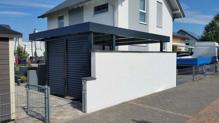 Beispiel-Nr. ST-V  Carport mit Sichtblenden für Müllgefäße, Well-Stahlprofil lackiert in anthrazit RAL 7016
