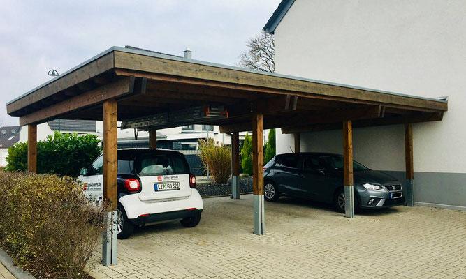 Beispiel-Nr. SORC48    Dreiercarportanlage in kesseldruckimprägnierter Ausführung Farbton  herbstbraun für 3 Parteien in Solingen.