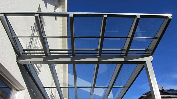 Beispiel Nr. GD15.5   Kein Carport läßt mehr Licht durch das Dach als ein Lippe- Verona exclusiv Carport.