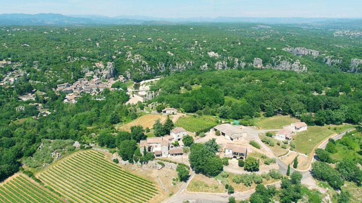 Vue aérienne des gîtes de Champagnac et de Labeaume en sud Ardèche