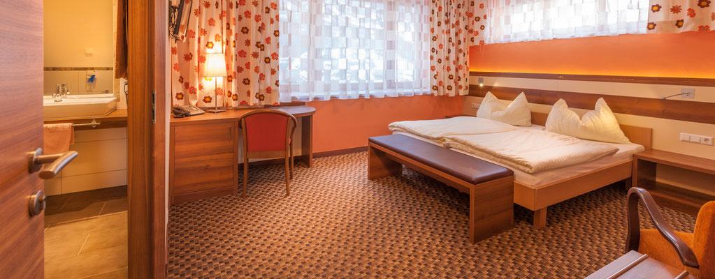 Doppelzimmer 104 sehr ruhig Felsseitig gelegen
