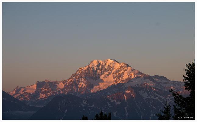 Sonnenaufgang auf der Rieder-Furka