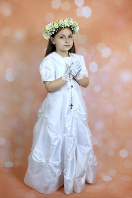 Communion photo session. Communion studio photo shot. Photographer PA, NJ, NY Gosia & Steve Tudruj 215-837-6651 www.momentsinlifephoto.com