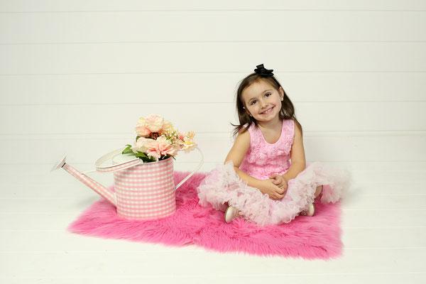 Kids. Birthday photo session.  Photographer PA, NJ, NY, FL Malgorzata Tudruj 215-837-6651 www.momentsinlifephoto.com