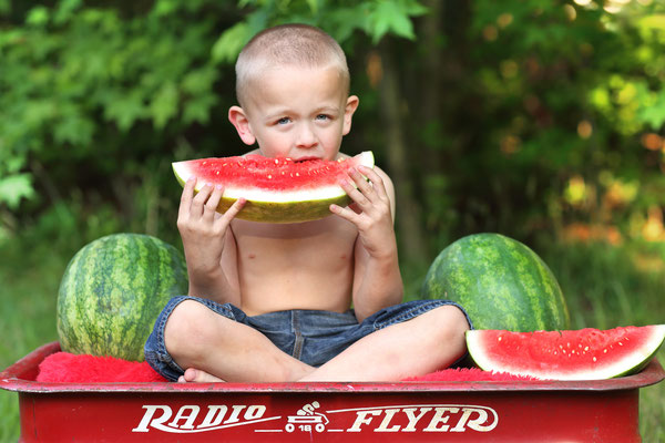 Boy photo shot. Watermelon photo session. Photographer Port St. Lucie Florida.  Gosia & Steve Tudruj  215-837-6651   www.momentsinlifephoto.com