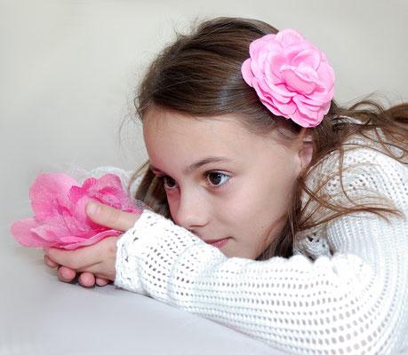 Girls photo session. Studio photo session. Kids Photo shot. Children photography.  Photographer Gosia & Steve Tudruj  215-837-6651   www.momentsinlifephoto.com Servis PA. NJ. NY Servis Pa and Bucks County PA. NJ.