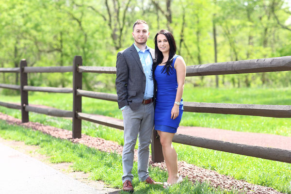 Spring  photo session. Photographer Gosia & Steve Tudruj Servis PA, NJ, NY 215-837-6651 www.momentsinlifephoto.com Specializing in wedding photography, event, portrait