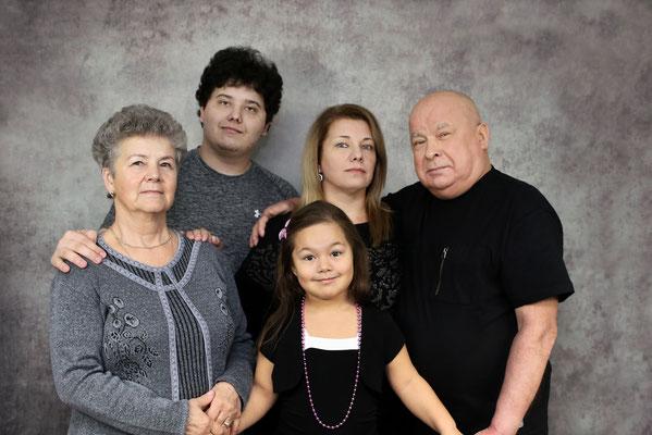 Professional family  portrait . Photographer Port St. Lucie Florida Malgorzata Tudruj 215-837-6651 www.momentsinlifephoto.com