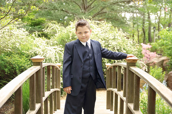 Boy in the park. Spring  photo session.  Photographer Gosia & Steve Tudruj  215-837-6651 Servis PA, NJ, NY www.momentsinlifephoto.com Specializing in wedding photography, event, portrait