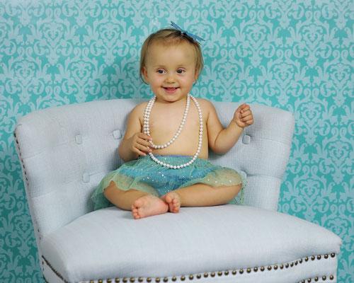 Kids, family, birthday photo session.  Gosia & Steve Tudruj  215-837-6651   www.momentsinlifephoto.com Servis PA. NJ. NY, FL