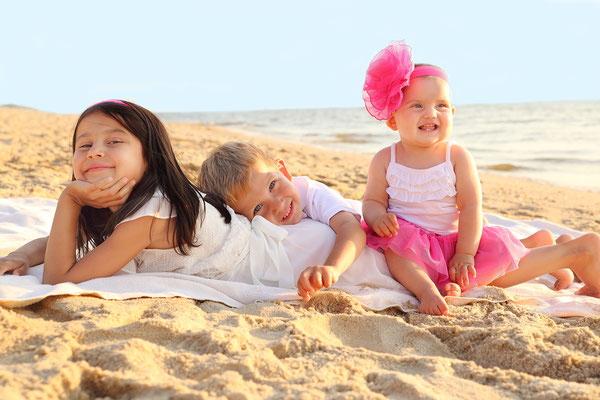 Girls in the beach. Summer photo sessions along the Jersey shore during the summer of 2017. Sessions start from June to September. If you are interested, please message me. Photographer - Gosia & Steve Tudruj 215-8376651 www.momentsinlifephoto.com