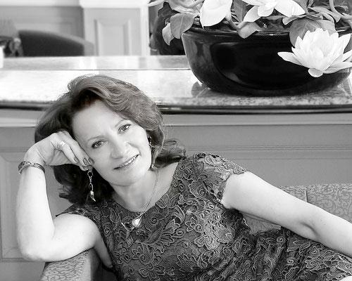 Portraits . Beauty photo session.  Specialty ocasion. Beauty. Fashion photo session. Photographer Gosia  Tudruj 215-837-6651 PA, NJ, NY www.momentsinlifephoto.com